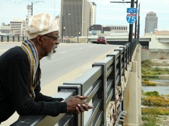 Artist 'Bing' Davis to help design Third Street Bridge